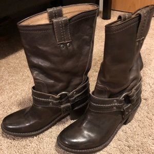 Frye boots—Size 6. Excellent condition!